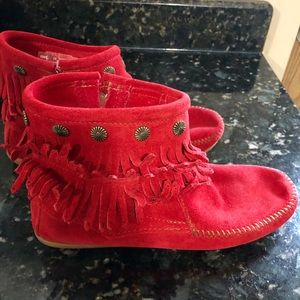 Minnetonka Red Fringe Short Boot
